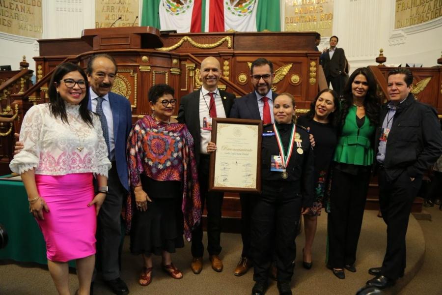 Congreso galardona con la Medalla al Mérito a 204 policías de la CDMX