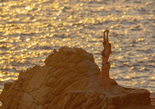 Celia Lora causa furor en Instagram, con estas fotografías en bikini