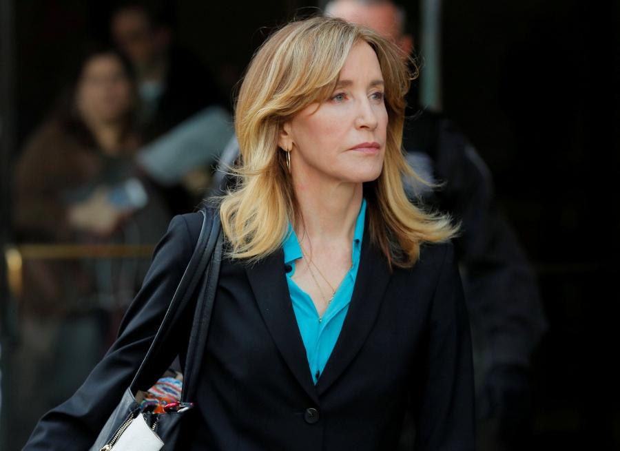 Felicity Huffman se declara culpable por estafa universitaria