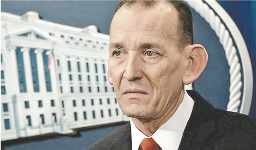 Trump pide que despidan a cercano de Nielsen