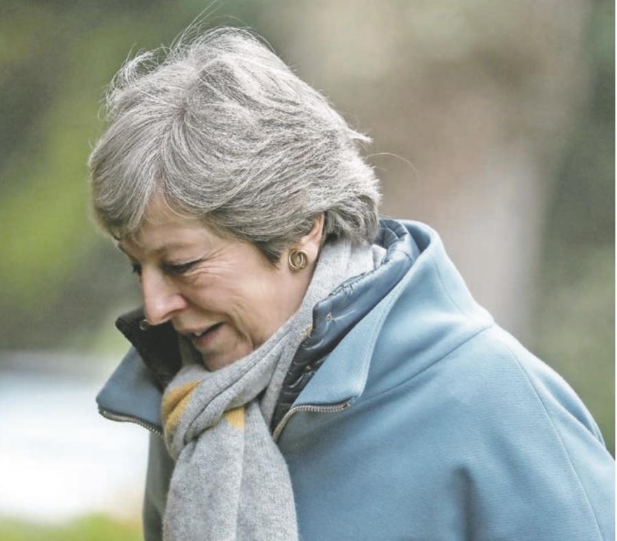 A contrareloj, May plantea otra prórroga para concretar Brexit