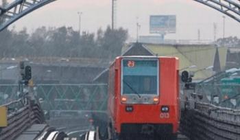 Por lluvias en la CDMX, implementan marcha lenta en el Metro