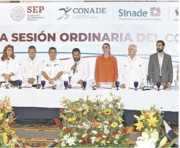 Guevara encabeza sesión ordinaria del Sinade