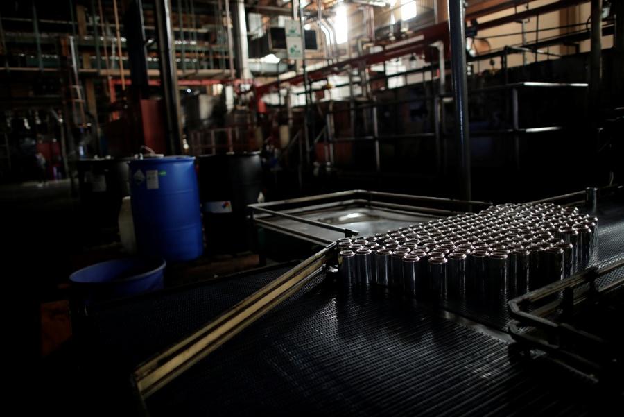 Resienten industrias venezolanas crisis por falta de luz