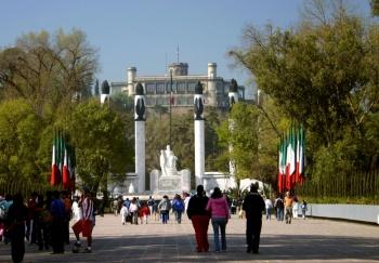 Gobierno capitalino y vecinos integran frente en defensa de Chapultepec