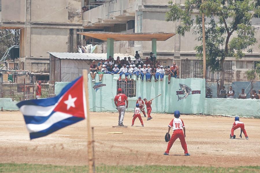 Trump cierra grifo de dólares Cuba obtenía prestando a sus peloteros