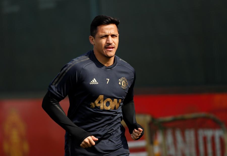 Alexis Sánchez supera lesión y es convocado en duelo ante Barcelona