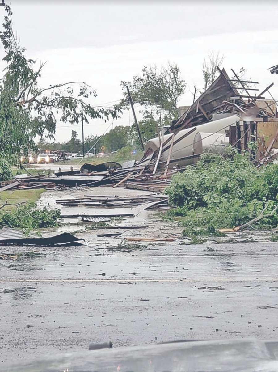Tornados azotan sur de Estados Unidos; van 4 muertos