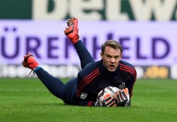 Lesión muscular deja fuera de las canchas a Neuer por tiempo indefinido