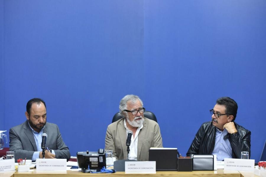 Comisión de Ayotzinapa acuerda crear grupo de búsqueda