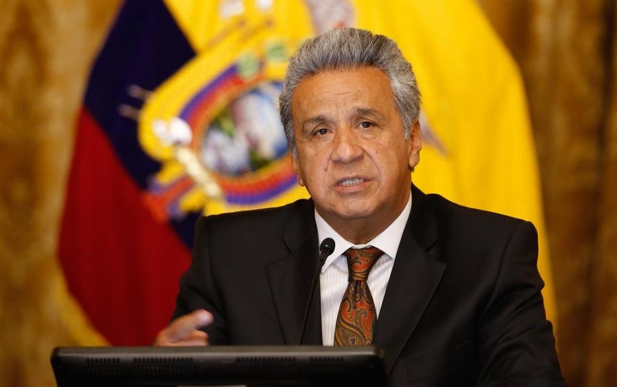 """Correa habría financiado supuesto """"centro de espionaje"""" de Assange, acusa Moreno"""