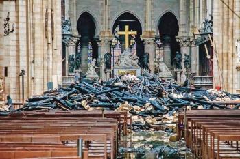 Francia fija un plazo de 5 años para que Nuestra Señora de París renazca