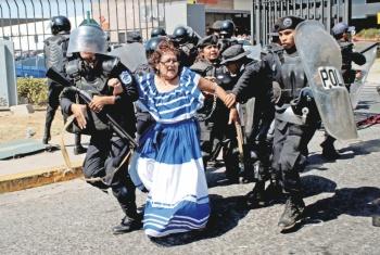 Ortega libera a 636 reos; 13 son opositores