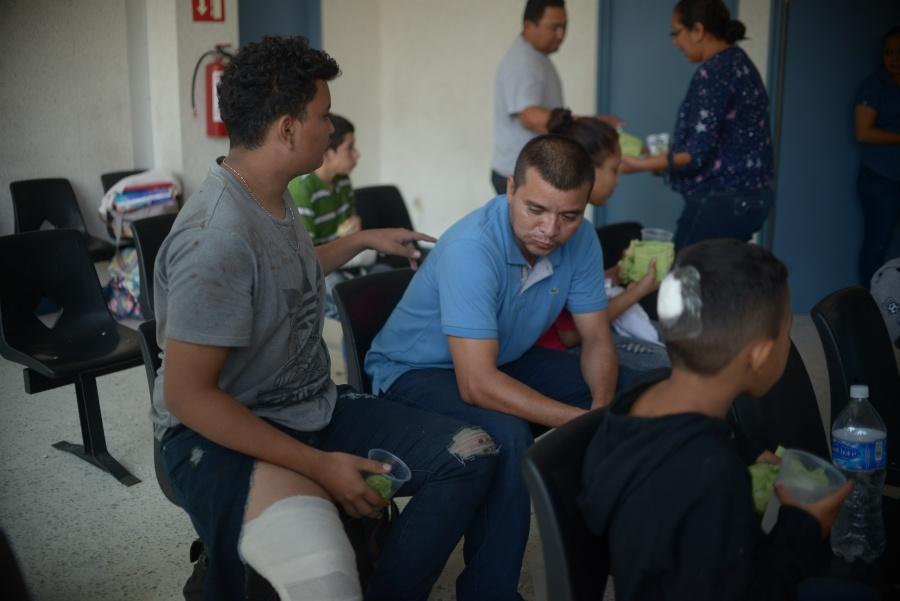 IMSS brinda atención médica a migrantes en Chiapas