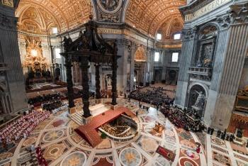 Turismo religioso convertido en industria multimillonaria
