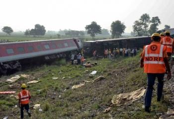 Tren se descarrila en la India con saldo de 13 personas heridas