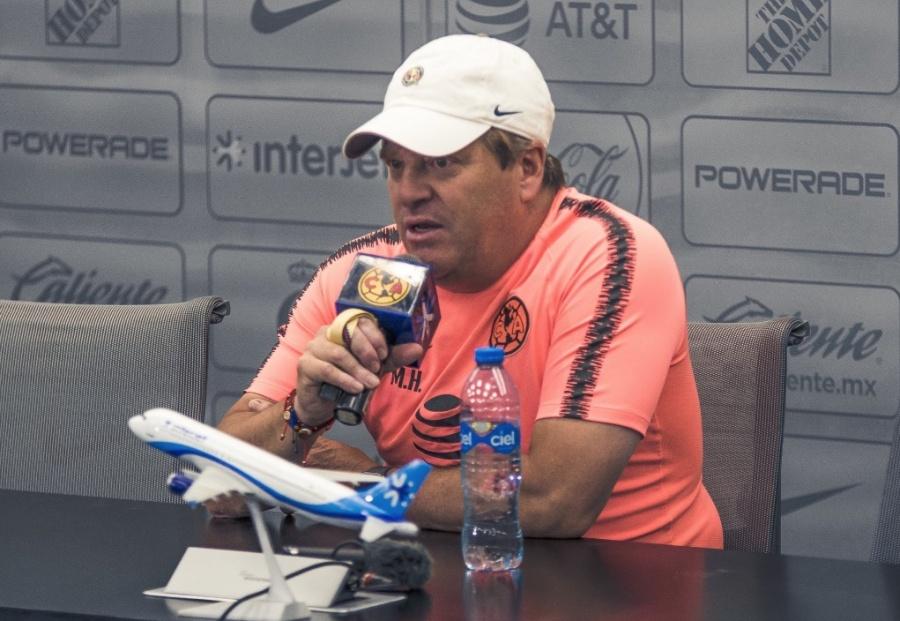 """Miguel Herrera explota contra Arturo Brizio: """"que se ponga a trabajar"""""""