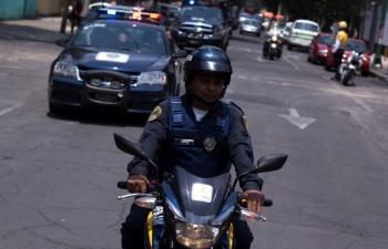 Investigan a policía que disparó sin razón en colonia Peralvilllo