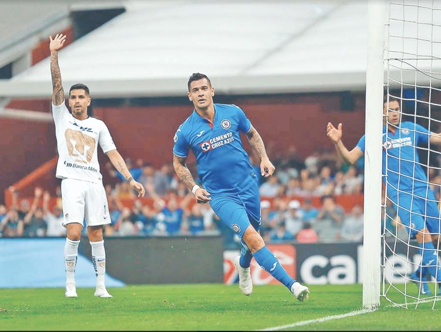 dc1a200107b Cruz Azul suma 8 partidos invicto y Chivas toca fondo