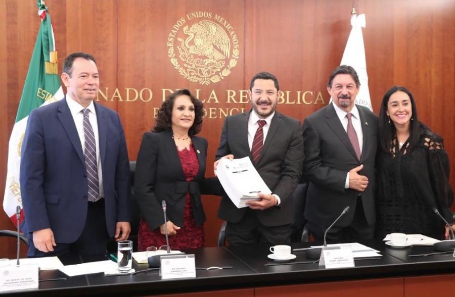 Batres recibe Reforma Laboral en el Senado