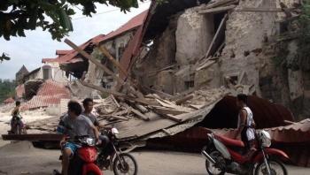 Sismo de 6.3 grados sacude Filipinas; colapso de edificios deja 5 muertos