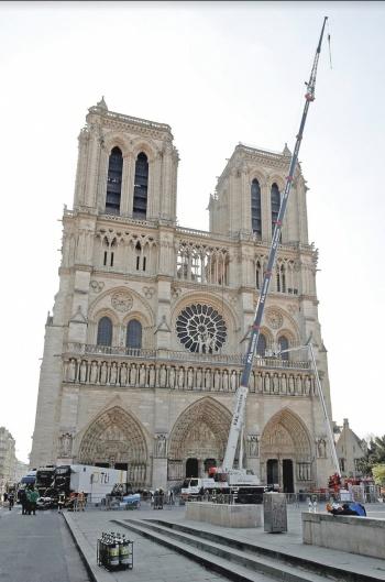 Van al Louvre 15 obras rescatadas de Notre Dame