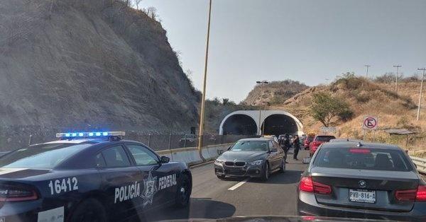 Turistas fueron víctimas de un asalto masivo en la México-Acapulco