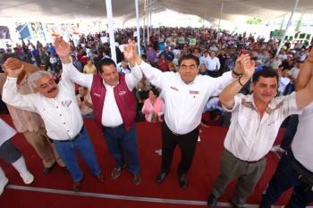 Ante comerciantes, Barbosa reitera su llamado a la reconciliación