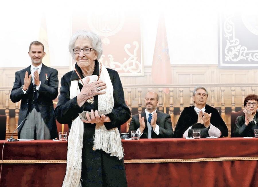 Ida Vitale es la quinta mujer en recibir el Cervantes