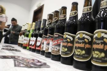 Morena pide venta de cervezas al tiempo en establecimientos