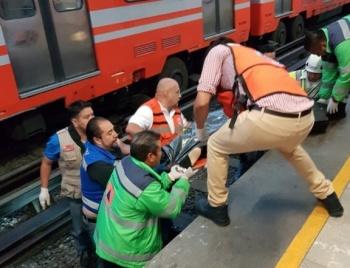 Policía es arrojado a las vías del Metro Bondojito y muere arrollado