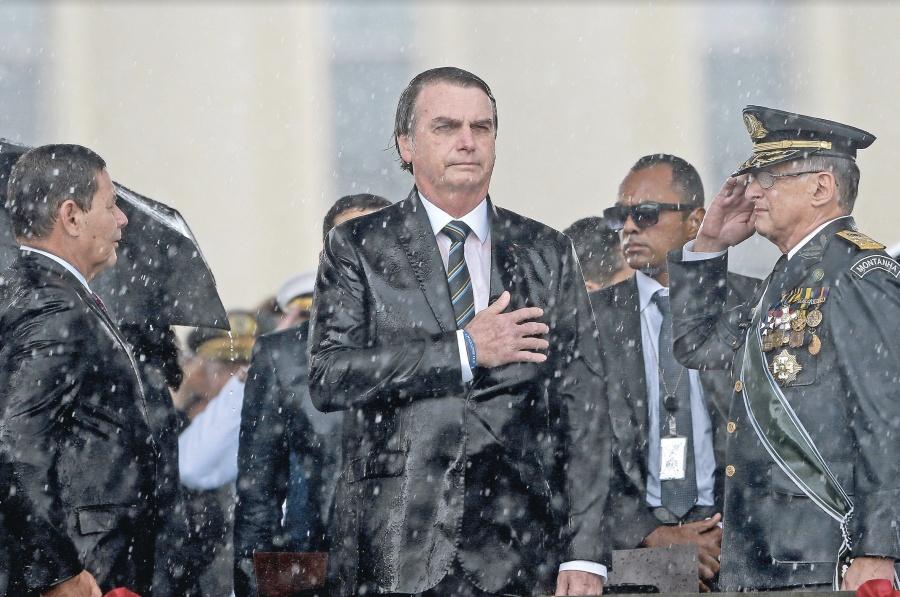Bolsonaro avanza en retraso de jubilaciones