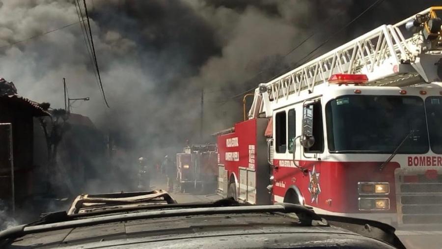 Incendio en fábrica de aceites de Tlaxcalancingo