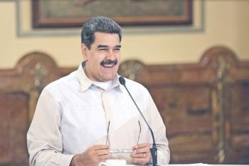Con espías, arrestos y robos… Maduro amordaza a la Prensa