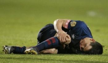 Chucky Lozano termina lesionado en victoria del PSV