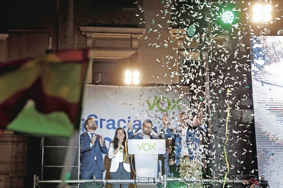 En Legislativas, España acaba con el bipartidismo y da entrada a los ultra