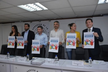 Generar políticas públicas integrales, para ofrecer calidad de vida a la niñez en la CDMX: Legisladores