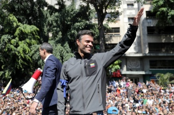 Leopoldo López abandona embajada de Chile