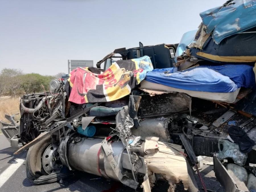 Choque en la carretera Cuacnopalan-Oaxaca, deja un muerto