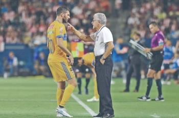 Ante Rayados, Tuca se expone a décima derrota en una final