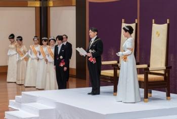 Naruhito, asciende al trono de Japón; cumplirá sus tareas pensando en la gente