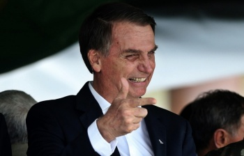 Sí a la diplomacia, no a la intervención: Bolsonaro