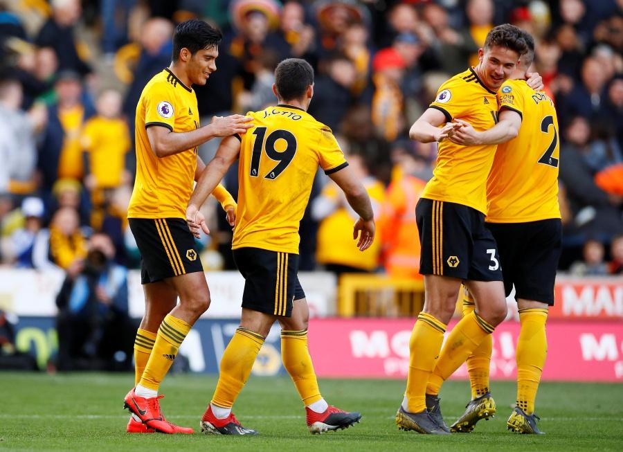 Raúl Jiménez juega los 90 minutos en victoria del Wolverhampton ante el Fulham