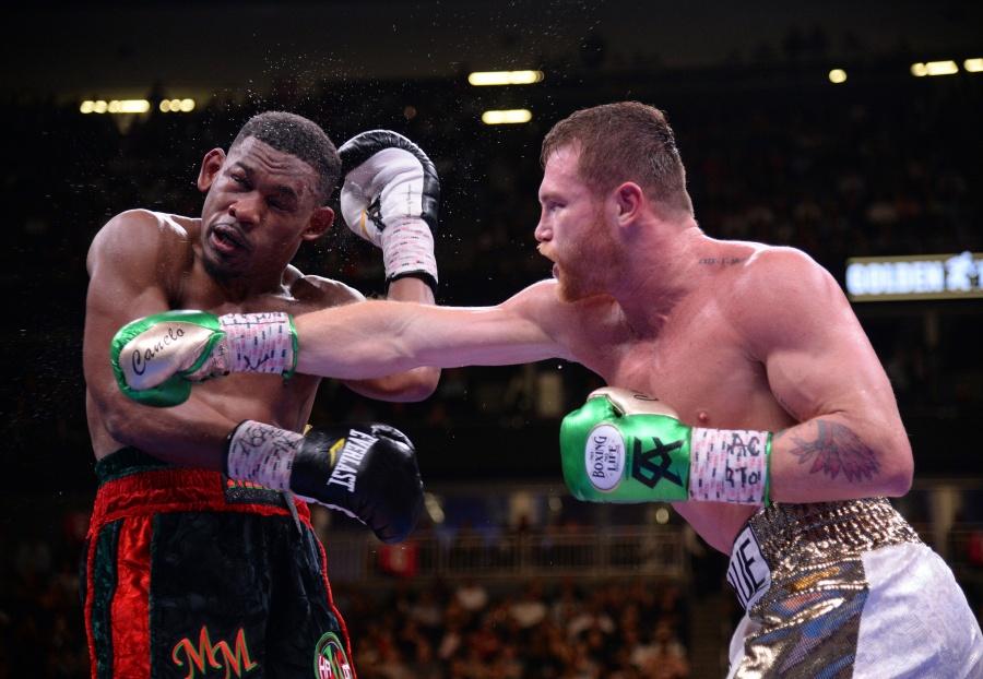 Tras derrotar a Jacobs, 'Canelo' no descarta pelear contra Golovkin