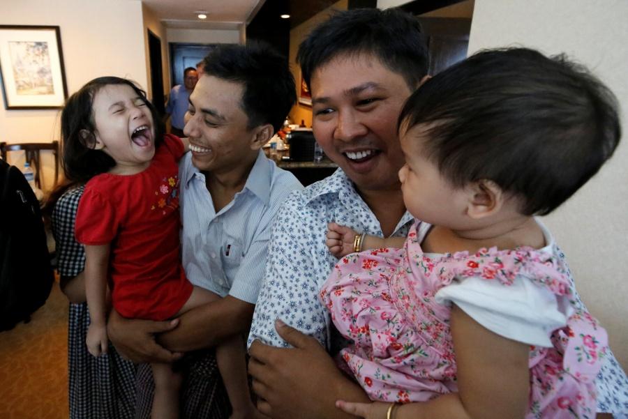 Myanmar libera a dos periodistas de Reuters detenidos desde 2017