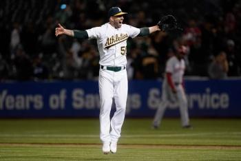 Hazaña histórica: Mike Fiers lanza segundo juego 'no-hitter' de su carrera