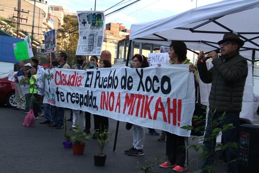 Vecinos de Xoco bloquean avenida Universidad; exigen cancelar obras de Mítikah