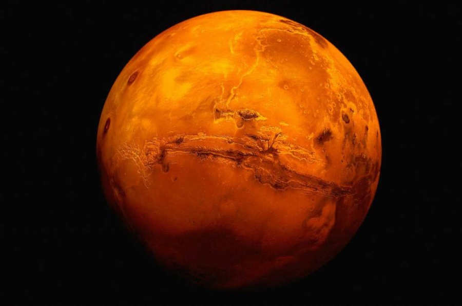 NASA publica imágenes de Luna llena en Marte