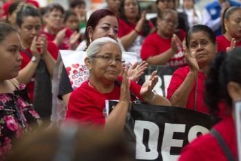 Marchan madres de desaparecidos hacia el Ángel de la Independencia