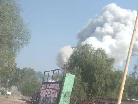 Reportan explosión por pirotecnia en Tultepec